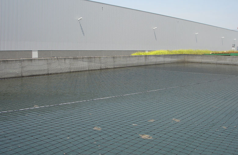 Water reservoir cover nets Netten