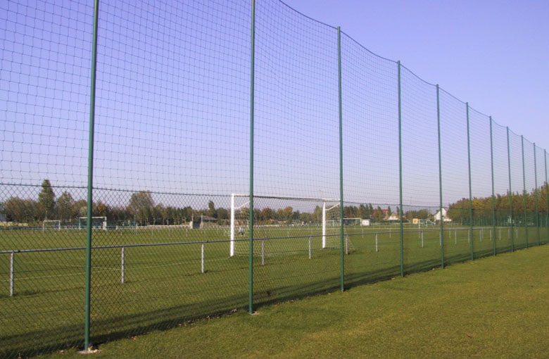 Knotted football perimeter nets